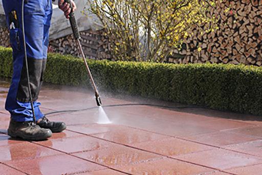Terrassen-Reinigung mit Hochdruckreiniger